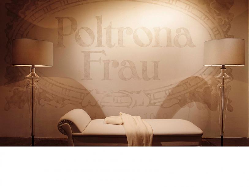 poltrona frau showrooms. Black Bedroom Furniture Sets. Home Design Ideas